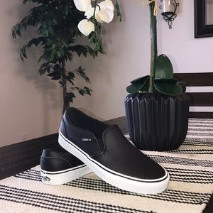 Vans Asher Perforated Slip On Sneaker Size 7 NEW